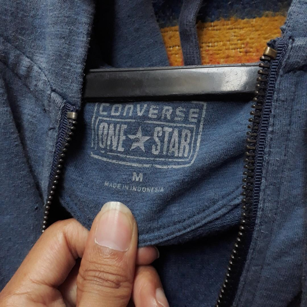 Ziphoodie Converse fit M dalam