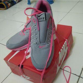 Sepatu Nike New #BAPAU
