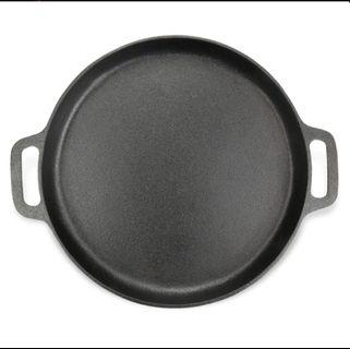 Cast iron Pizza baking tray