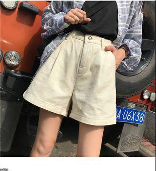 🚚 全新 吊牌已拆 鬆緊短褲 寬鬆 短褲 杏色