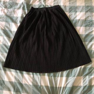 🚚 yishion black pleated midi skirt