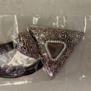 三角配襯頸飾
