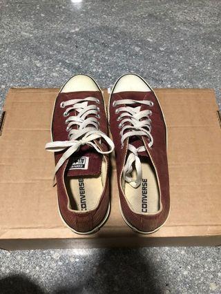 Converse low cut, red velvet