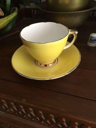 6 pairs of teacups made in england