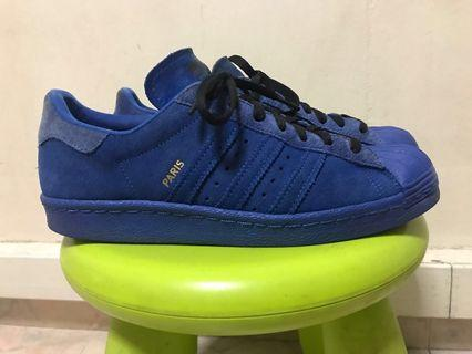 Selling a Adidas Paris Authentic US8.5