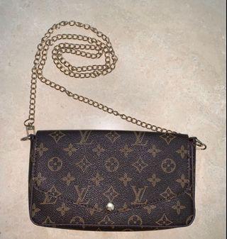 Louis Vuitton Crossbody/Clutch