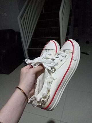 Sepatu pergi