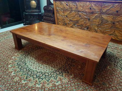 🚚 Solid Wood Coffee Table