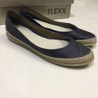 The Flexx 舒適歐洲鞋