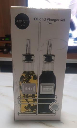 🚚 Oil and Vinegar Set