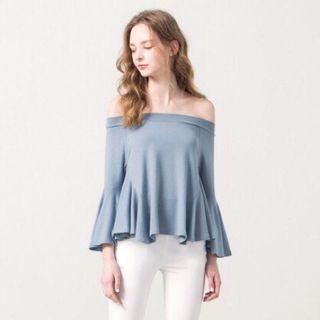🚚 Pazzo 女裝 側傘擺喇叭袖一字領上衣 九分袖上衣 露肩 性感 甜美 氣質 台灣製造 灰藍色