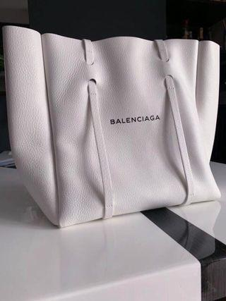 ★BALENCIAGA EVERYDAY TOTE BAG