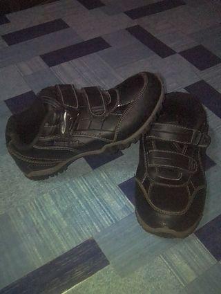 Sepatu anak homy pad minat silahkan hubungi WA:085713081309