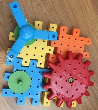 Mega cubes learning toy