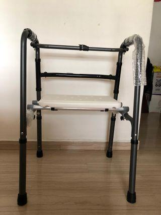 🚚 Walking frame with detachable seats