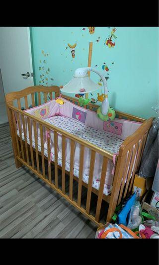 🚚 Lelong sale Baby Cot With Mattress n bumper