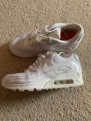 Nike Air MAX Size 7 US