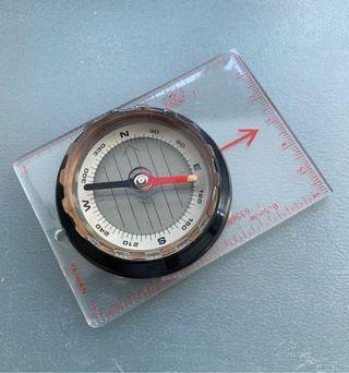 ⛰🧭 二手 95%新 多用途 行山 Hiking 指南針 Compass