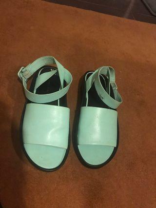 🚚 Blue green sandals