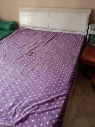 Queen bed frame n mattress