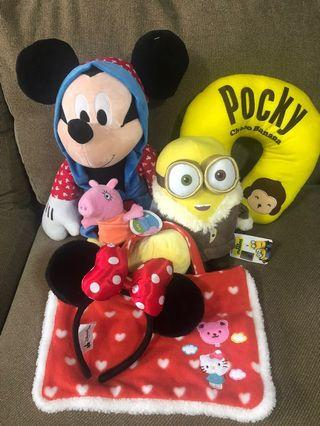 🚚 Brand new Mickey & Minion with other stuff