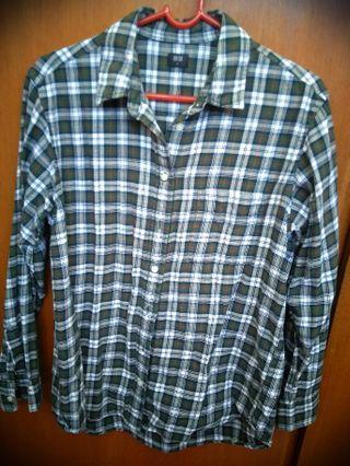 Uniqlo flannel long sleeve shirt