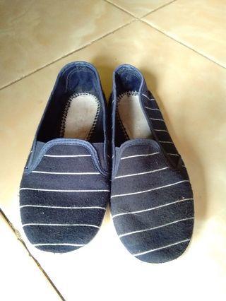 #BAPAU sepatu