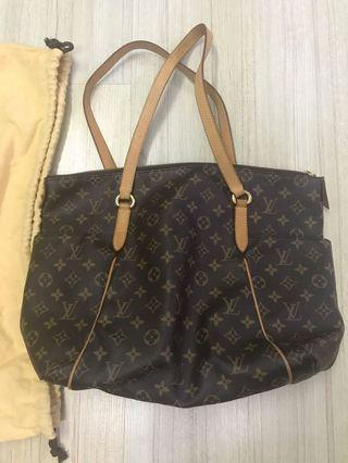 Louis Vuitton include official invoice