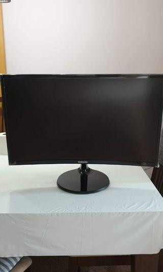 🚚 Samsung 24 inches curve gaming monitor