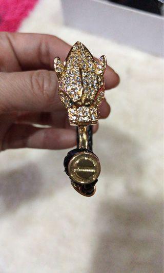 Gelang kulit hitam kepala Cartier