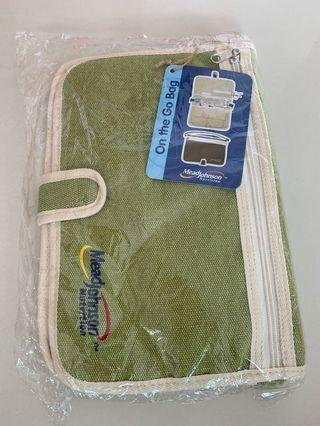 🚚 Travel pouch