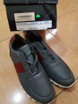 Sepatu cowok Papercut grey