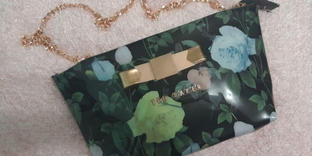 TED BAKER- Clutch
