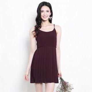 🌟BNWOT SSD Zeyda Pleat Dress in Burgundy