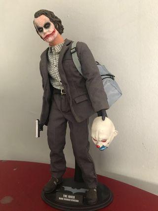 Hot Toys MMS79 Bank Robber Joker Batman not Predator Alien marvel avengers