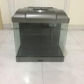 Glass fish tank with lid and lights 40x25x36cm