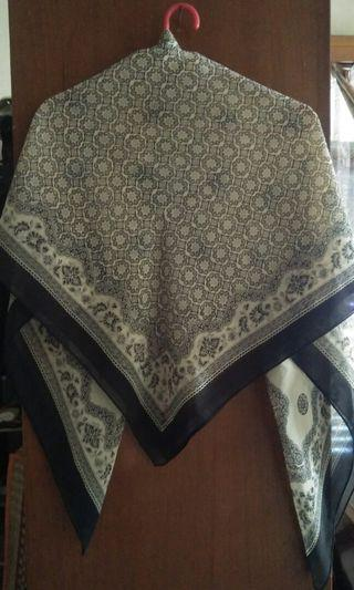 #BAPAU kerudung segiempat batik