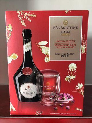 Limited edition Benedictine DOM D.O.M with Tea glass set