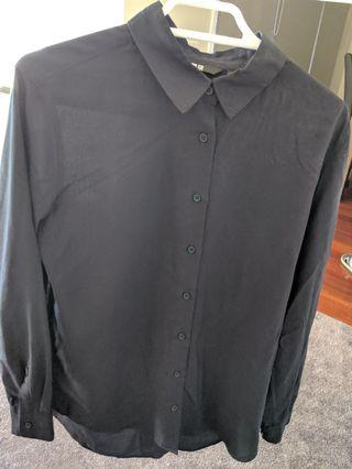 Navy shirt Uniqlo size xs