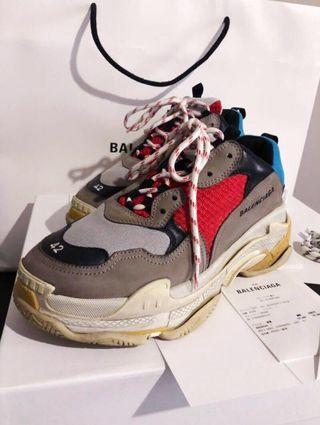 ★BALENCIAGA TRIPLE S MULTICOLORED SNEAKERS