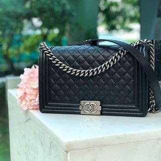✖️SOLD in a heartbeat!✖️ Very Good Deal! Chanel New Medium Le Boy Flap in Black Caviar RHW