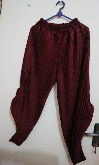 Celana Aladin maroon