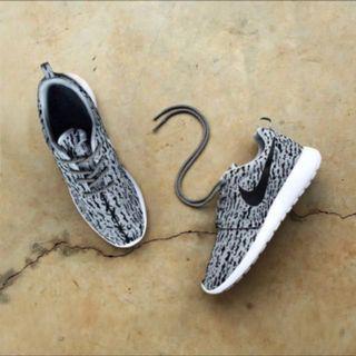 附實體照 絕版Nike roshe run yeezy boost 350 慢跑鞋 運動鞋
