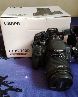 🚚 Canon Eos D700