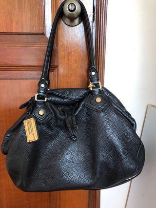 🚚 Marc Jacobs roomy leather bag