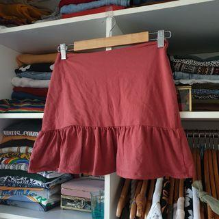 Staple frill mini skirt
