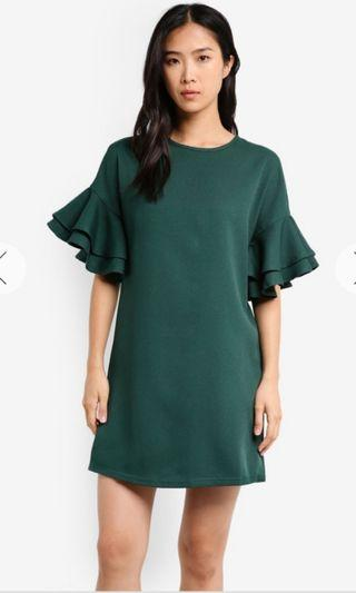 🚚 Brand new ruffle sleeve dress with tag (forest green)