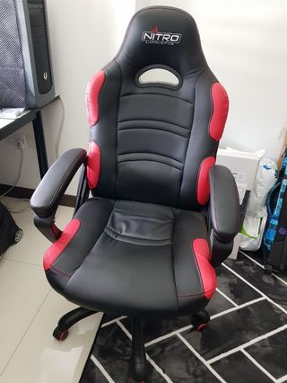 🚚 Gaming Chair