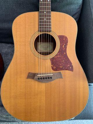 Taylor 210e Electro Acoustic Guitar