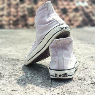 Distributor sepatu Converse original
